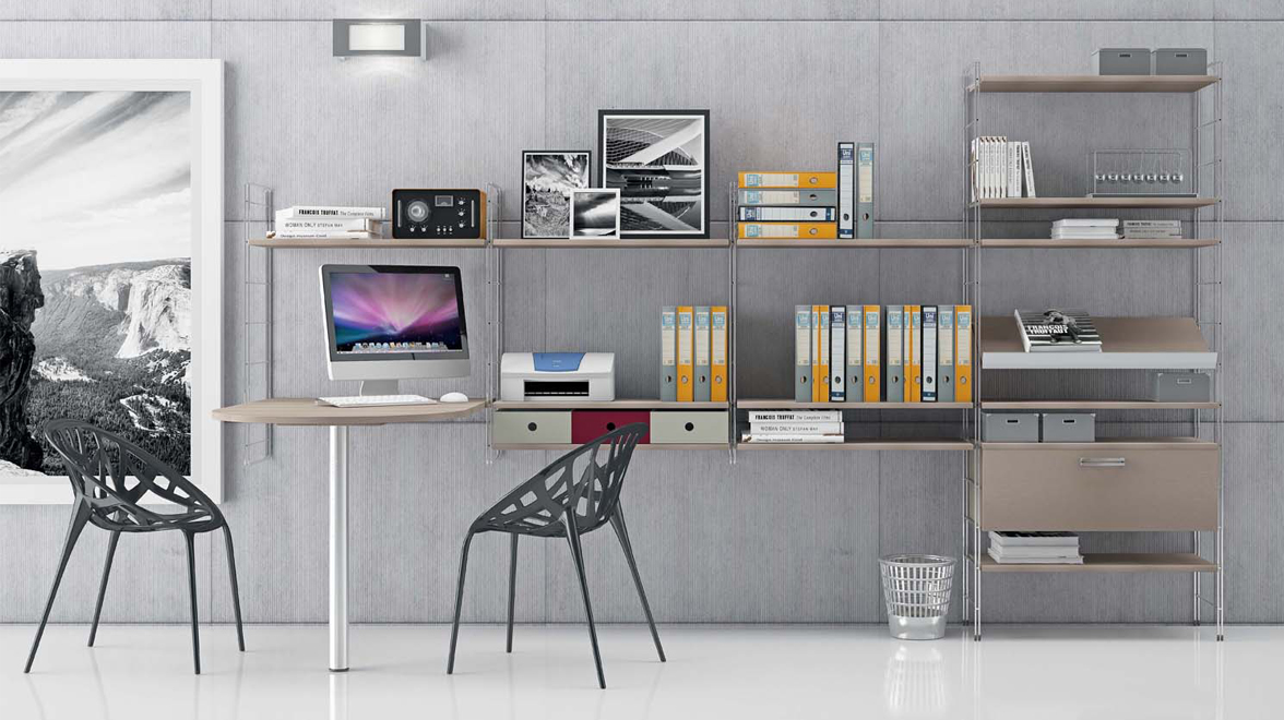 Libreria Componibile con montanti in metallo e ripiani legno