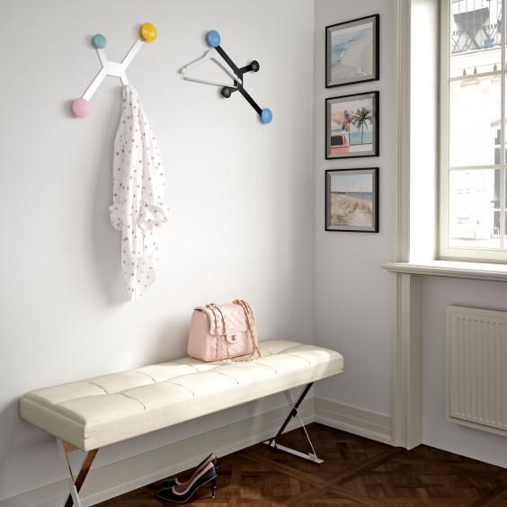 Appendiabiti a parete con 4 ganci rotondi Spider: struttura bianca o nera, pomelli personalizzabili in varie tinte