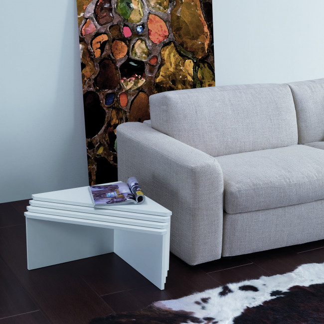Tetris triangular coffee table for the sitting room for Coffee tables you can sit on