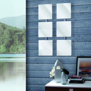 Lady made up of three square wall mirrors freely customizable.